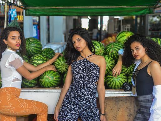 Entre verduras e frutas, o contraste da beleza na feira