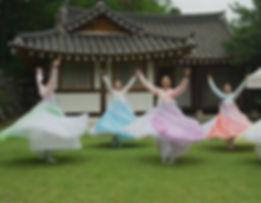 Korean Dance 2_edited.jpg