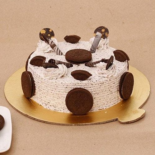 Classic Oreo Cake