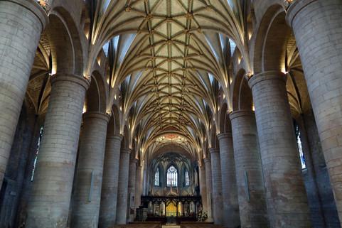 Tewkesbury Abbey.jpg