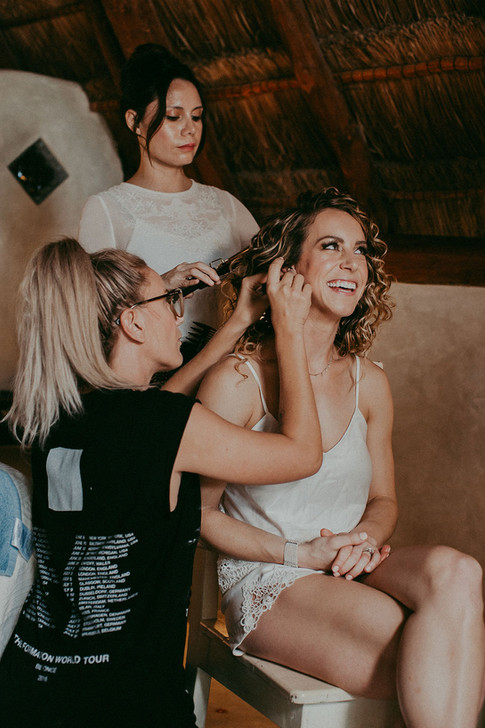 TULUM HAIR AND MAKE UP TEAM