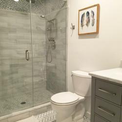 Modern Elegant Bathroom