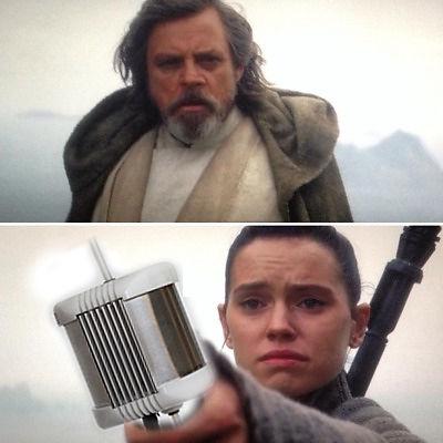 Starwars meme - Rey handing Luke PearlAqua instead of lightsaber