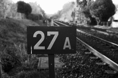 Sur les rails.