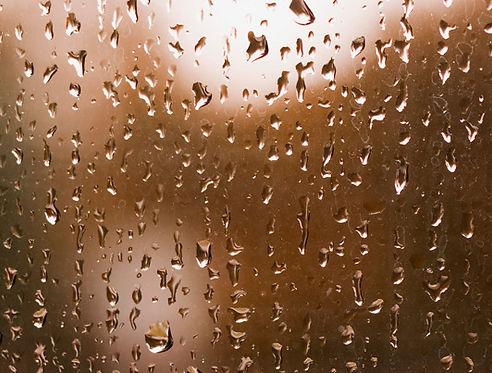 Raindrops%20on%20Window_edited.jpg