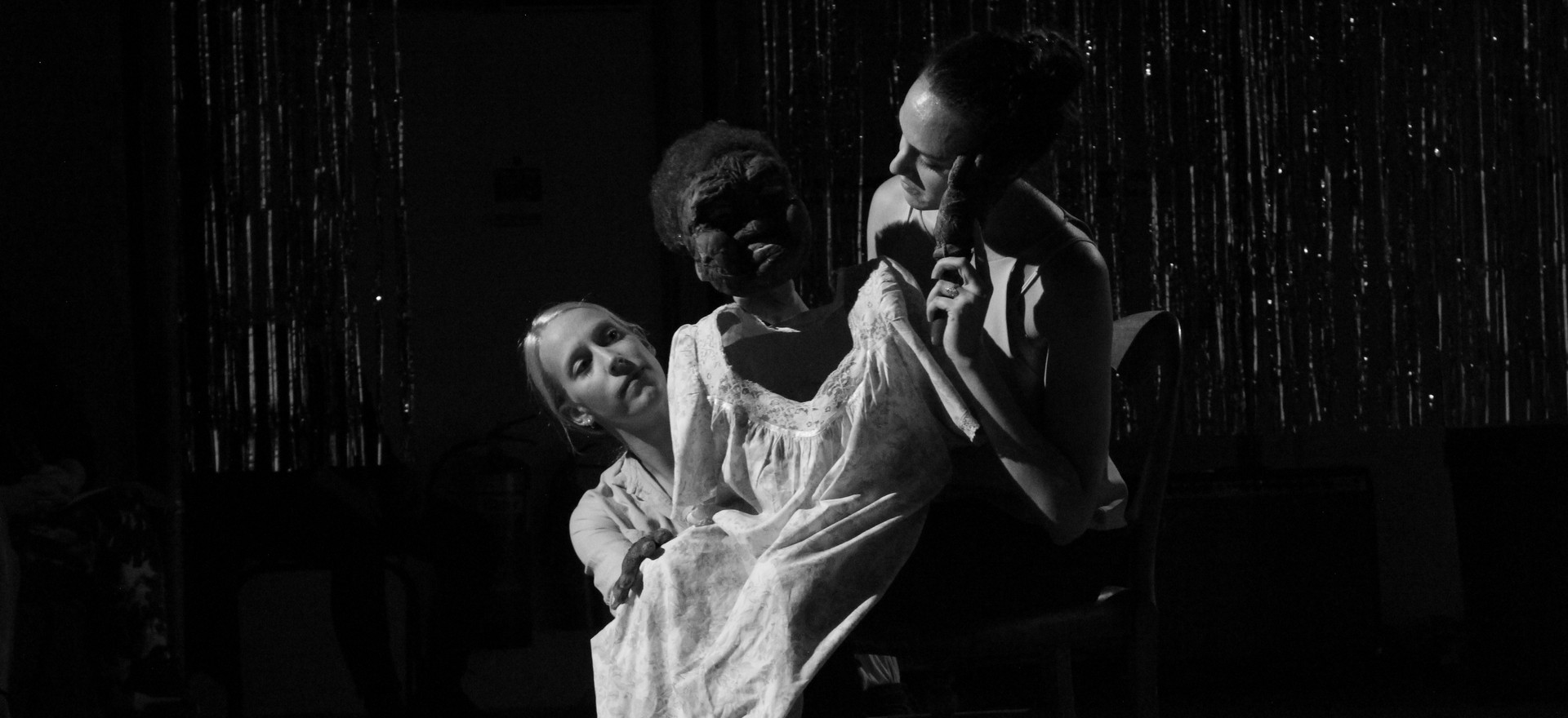 Woman SRSLY, The Yard Theatre, August 2018  Photographs by Alex Gent