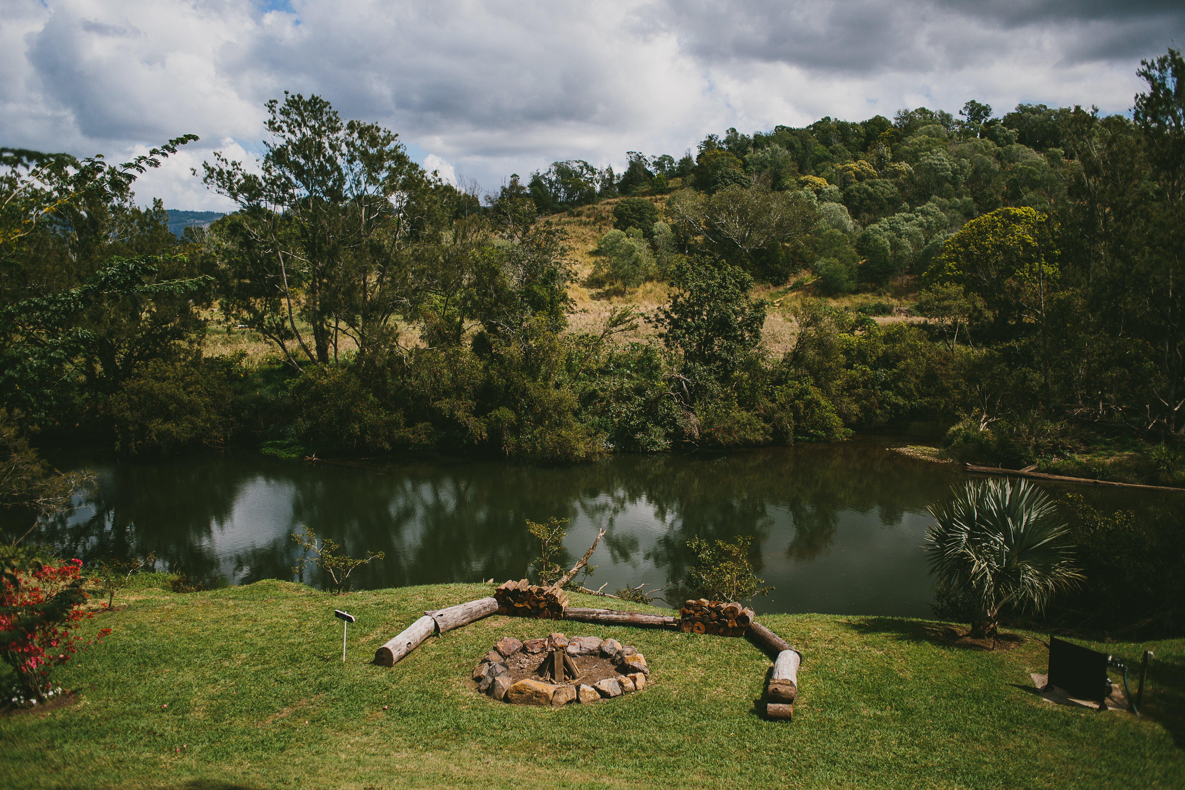Riverbank bon fire pit