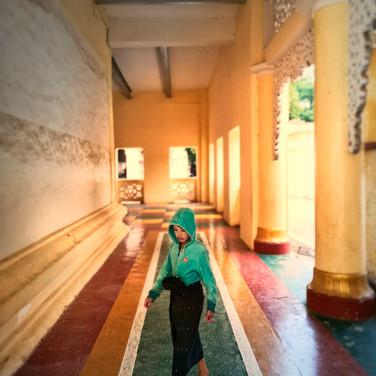 Streets of Bagan #095901