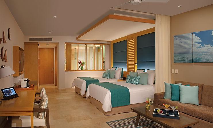 Ocean Front Two Bedroom Jacuzzi Suite Swim Up