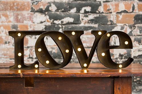 "Lettres lumineuses ""LOVE"""