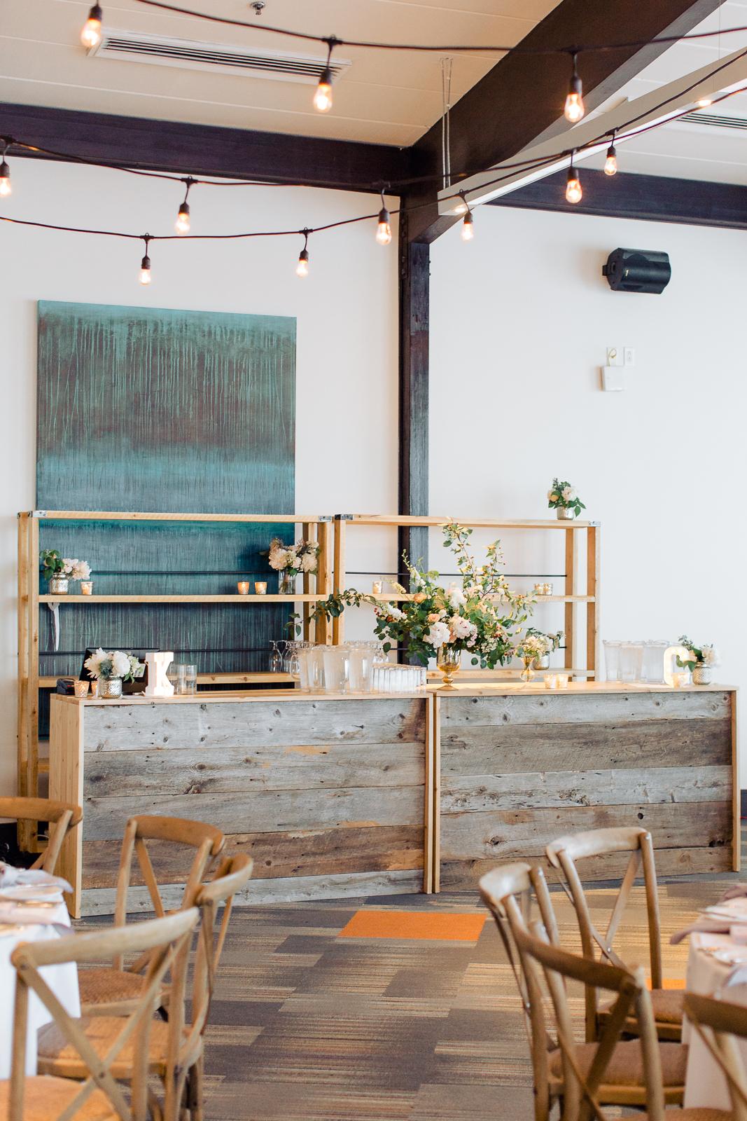 Bars et étagères industrielles