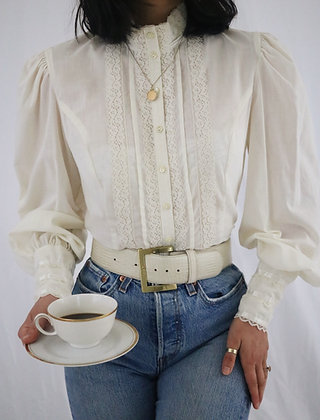 Vintage 1970's Gunne Sax Ivory Puff Sleeve Blouse