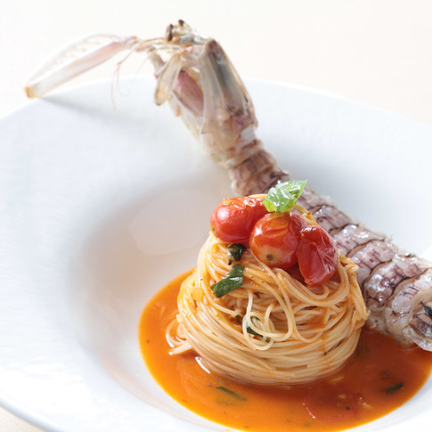 Angel hair served with steamed mantis prawn, seafood sauce, cherry tomato, fresh basil and EVOO