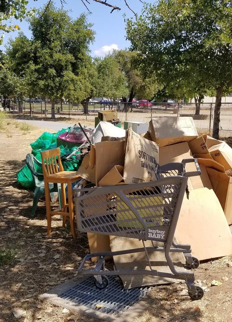 190810-Trash Pile 4.jpg