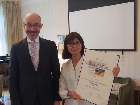 Seuralle Slovenian myöntämä kunniakirja