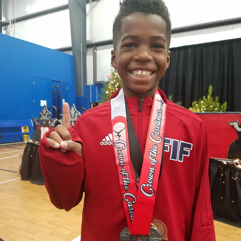 FIF Boys Level 6 Jonathan 1st AA Crown o