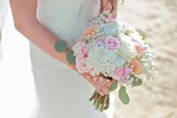 Roses, Mums & Lisinathus