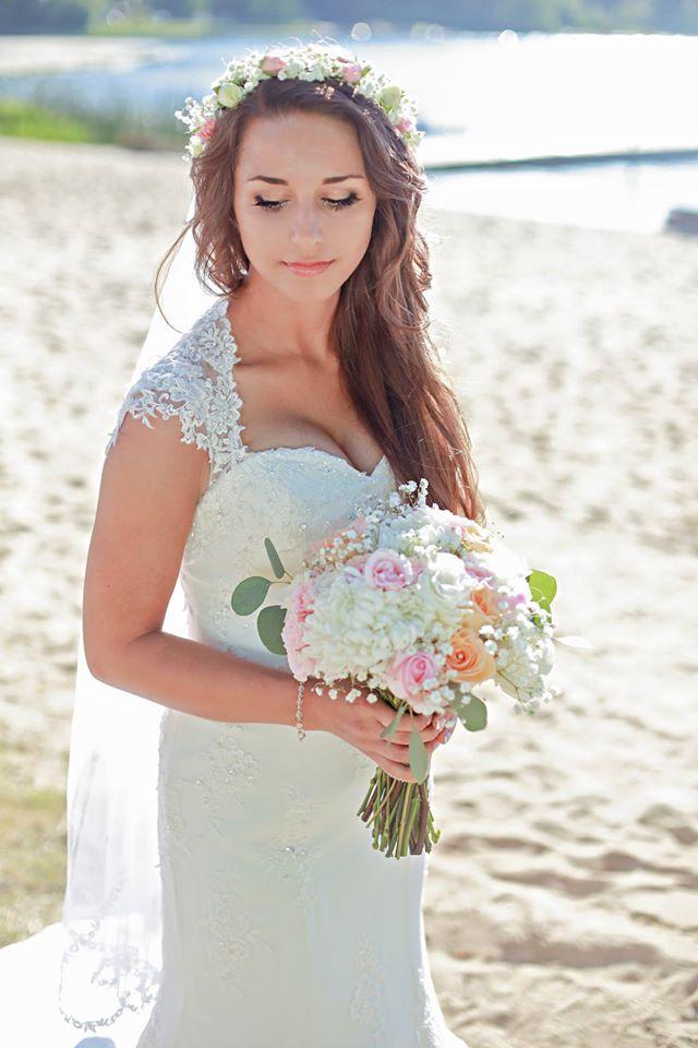 Lake Side Wedding!