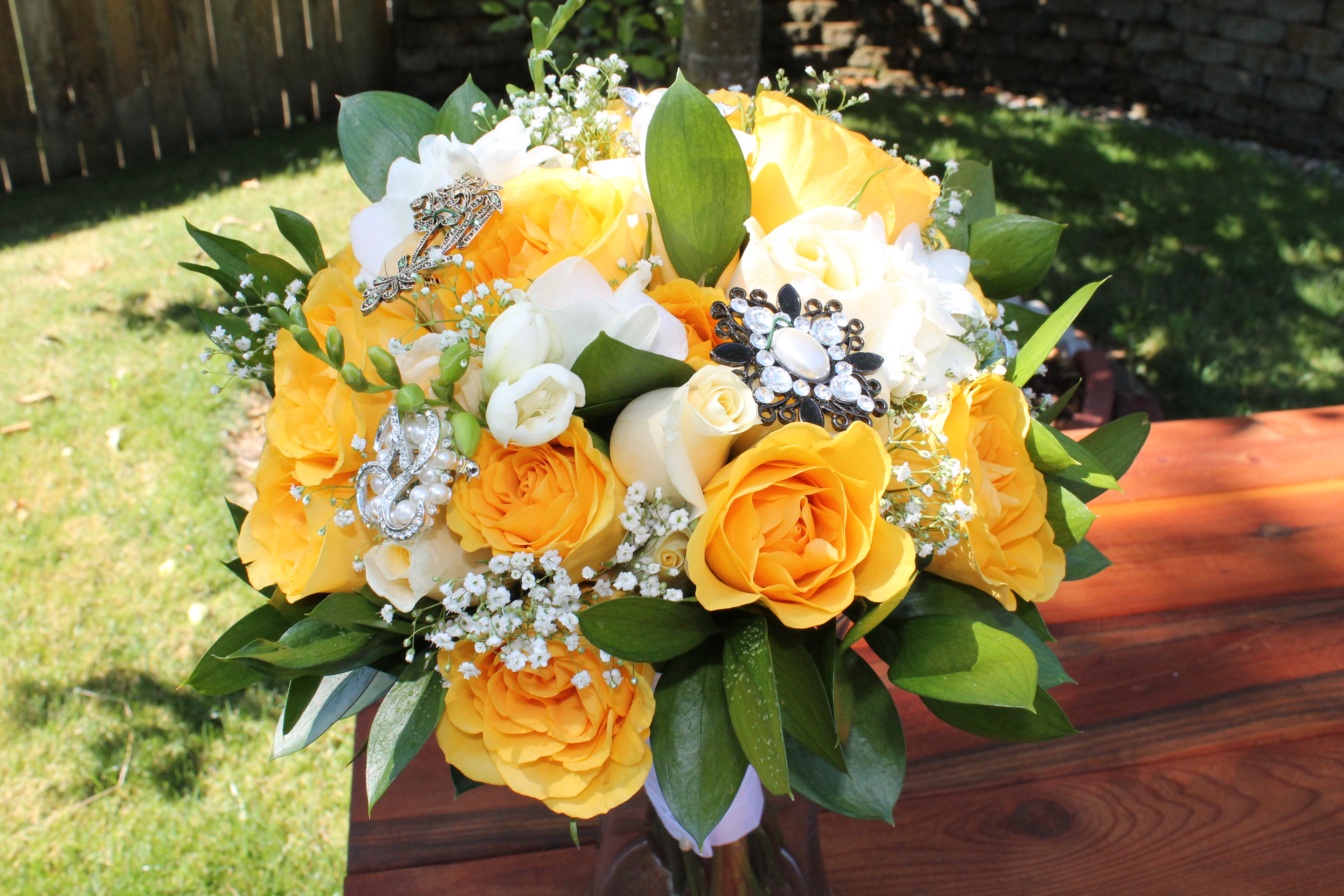 Bridal Bouquet with wired broaches