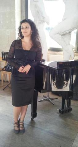 Sophie Teissier - en pied-002.jpg