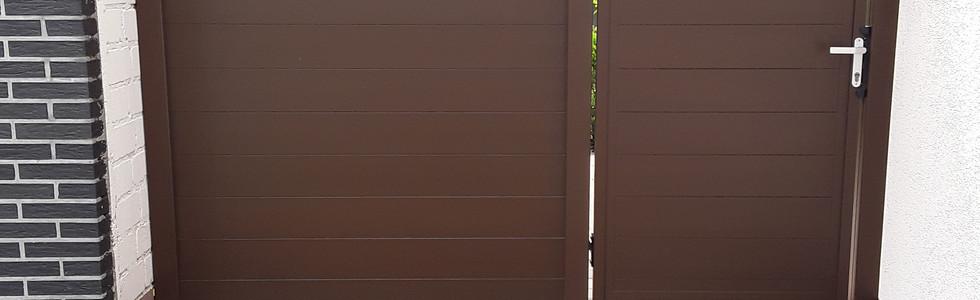 Zaun und Tor in Sepiabraun RAL 8014