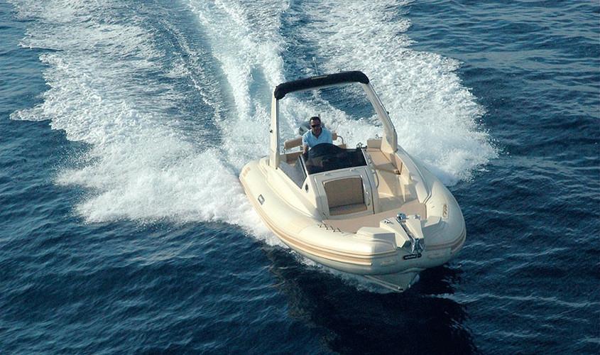 25-1-offshore-gommone-solemar-open-fuoribordo-battello-natante3.jpg