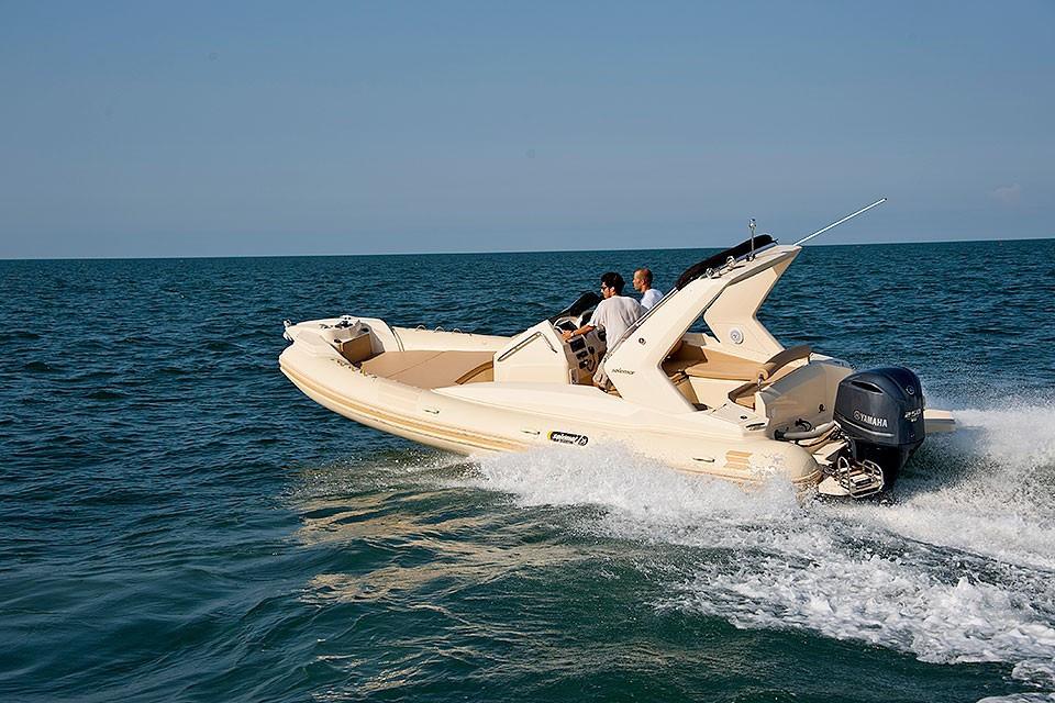 25-1-offshore-gommone-solemar-open-fuoribordo-battello-natante1.jpg