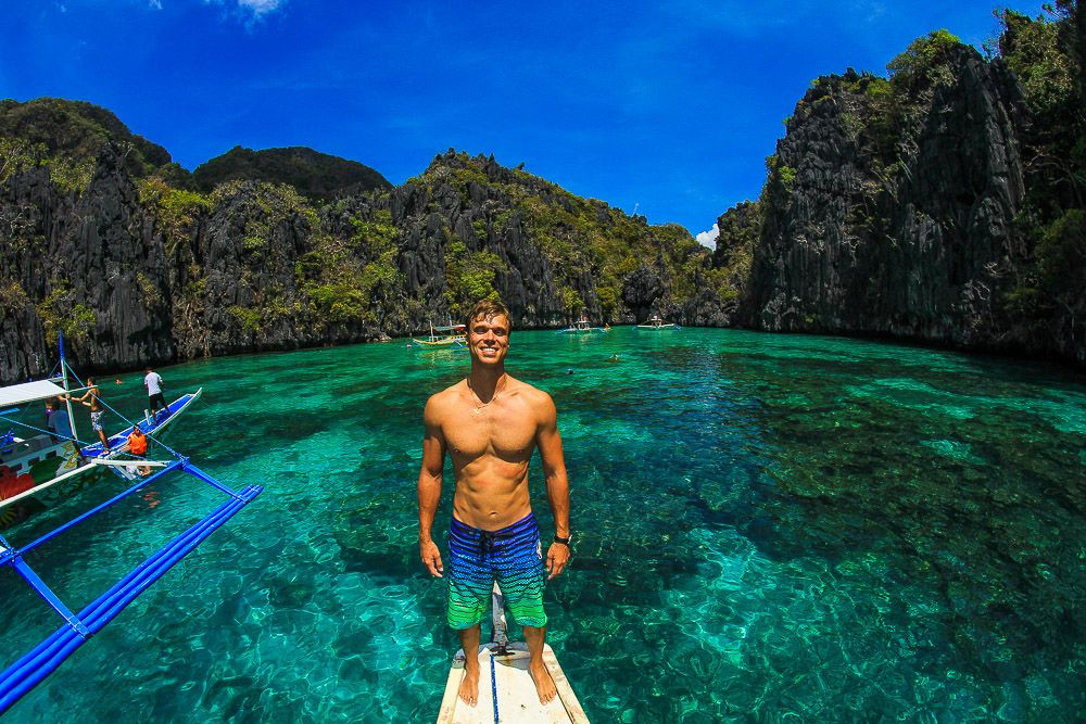 Island hopping at El Nido