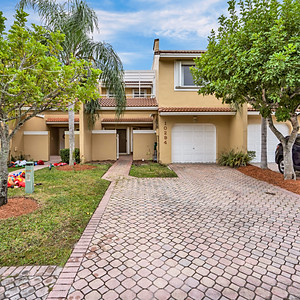 10294 NW 51 Ter