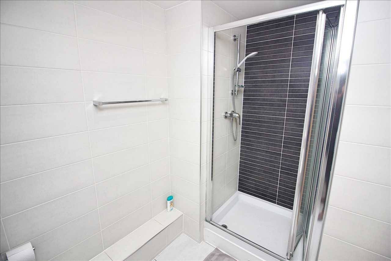 Bathroom 1 - angle 2