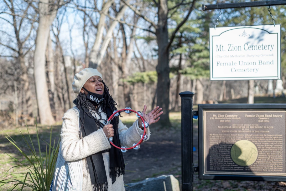 Deborah Bond Sings at Plaque reveal