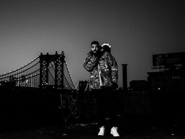 NEW: Drake drops two new tracks 'When To Say When' and 'Chicago Freestyle'
