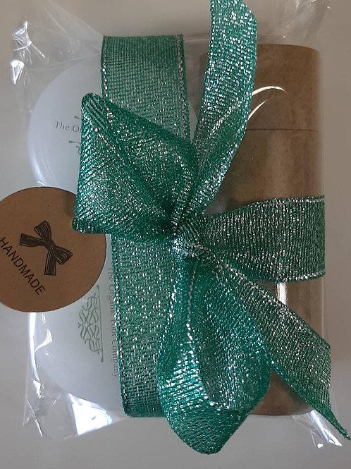 Gift Set: Foot soak, mask & exfoliating scrub