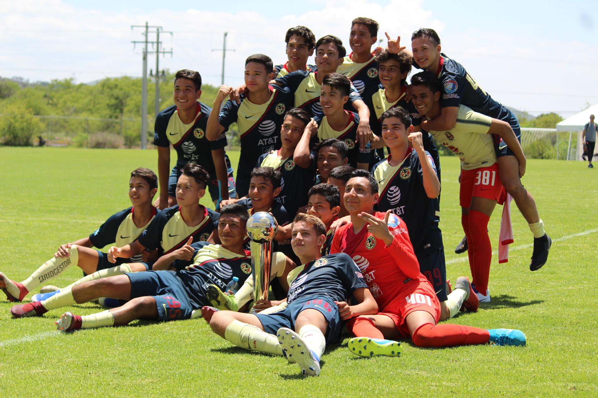 """América Campeón """"X Aniversario"""""""