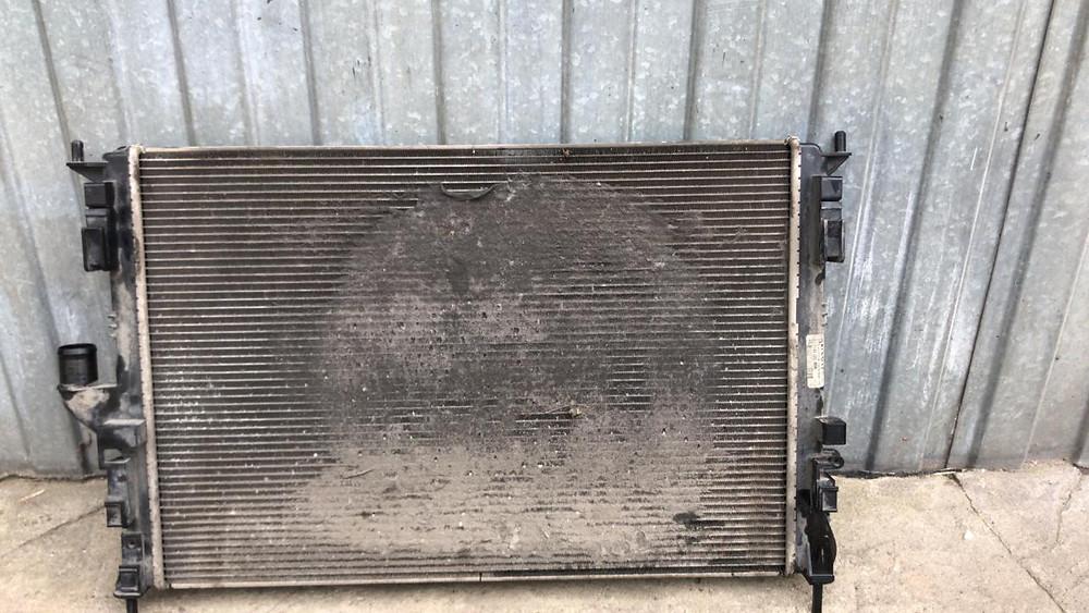 Радиатор охлаждения требует промывки