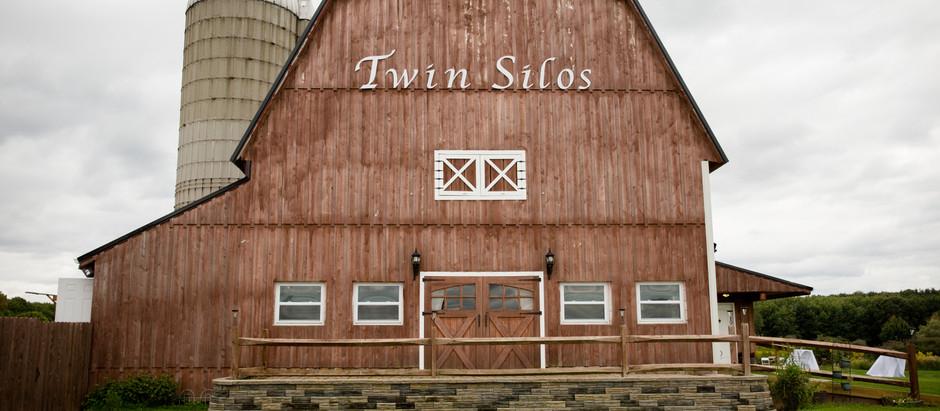 Laura & Jess ((Twin Silos Wedding Barn))