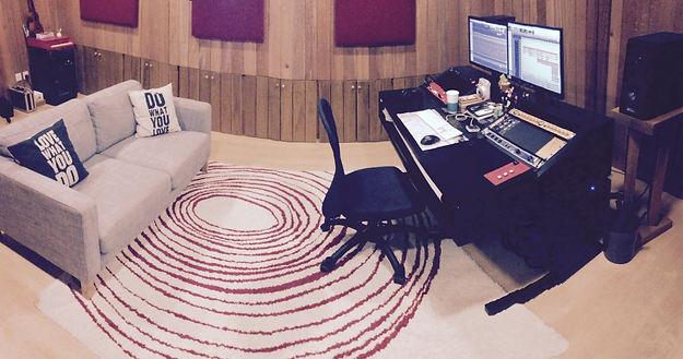 Qactus Studio Control Room