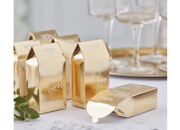 wedding confetti, biodegradable wedding confetti, gold confetti boxes, confetti for a wedding