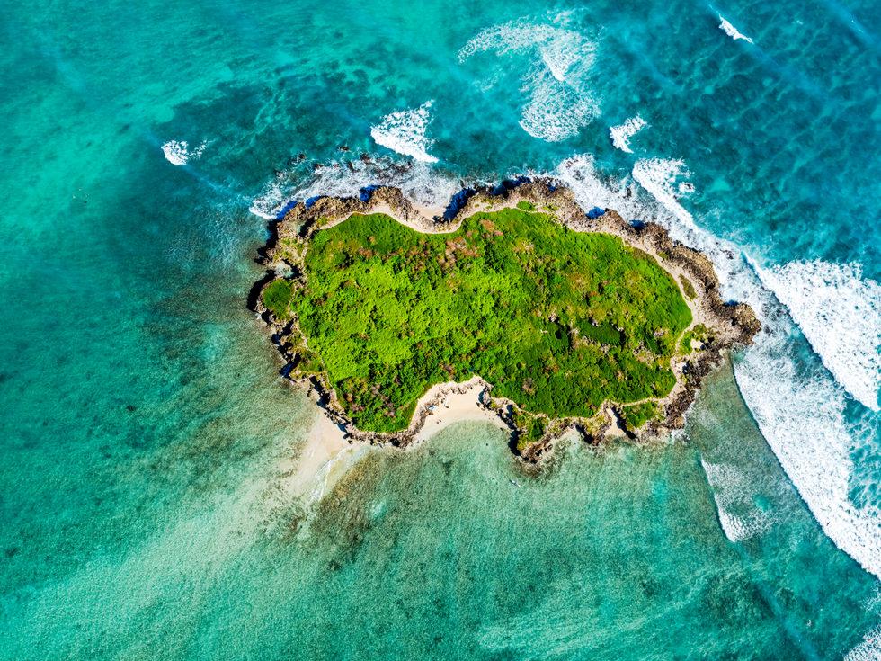 'Levitation' - Flat Island, Oahu, Hawaii