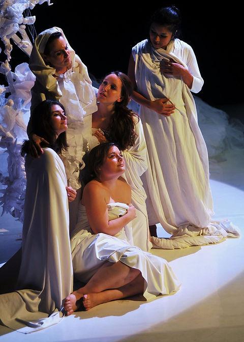 Kathryn Krasovec and Yasko Fujii as Usimbalda and Isabetta,The Curious Habit of Madre Usimbalda, International Opera TheaterinCittà di Saluzzo, Italy