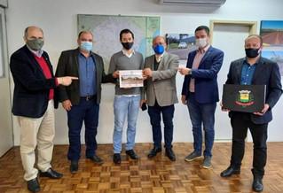 Vereador Machado participa de reunião sobre projetos de pavimentação asfáltica de acesso à RS 420