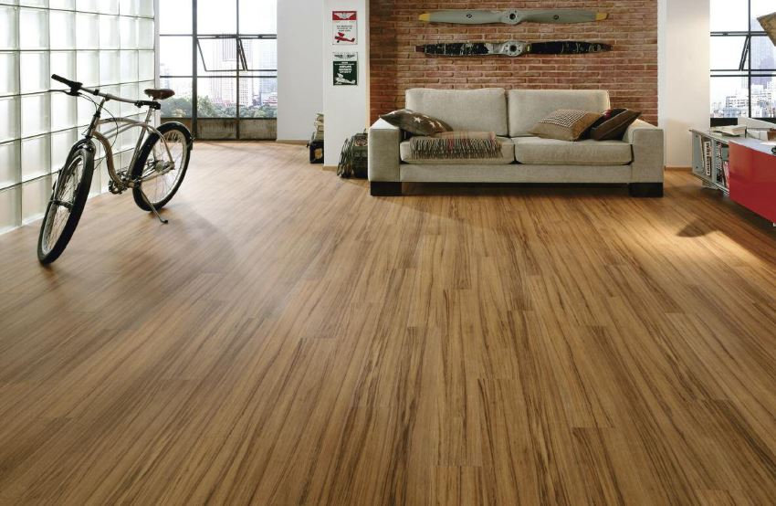 Laminate-flooring-in-a-modern-living-roo