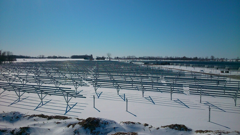 Cosma Racks - Canadian Solar project - Mighty Solar