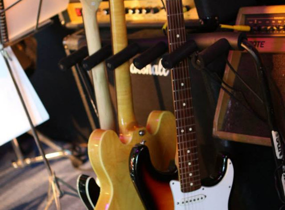 Russ's Guitar Rack