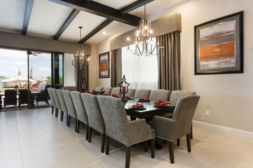 Bedroom Mansion on Reunion Resort Dining