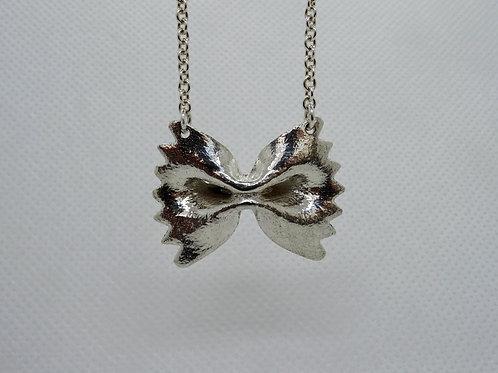 pendant } farfalle