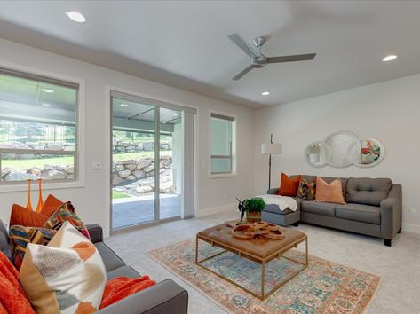 32-Living Room.jpg