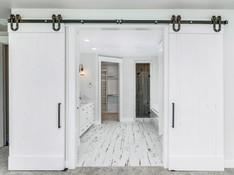 037_Master Bathroom .jpg