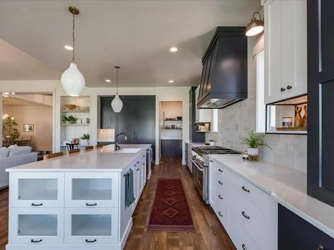 30-Kitchen.jpg