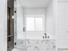 041_Master Bathroom .jpg